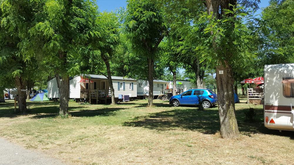 Camping avec piscine sud ard che location camping for Location camping avec piscine